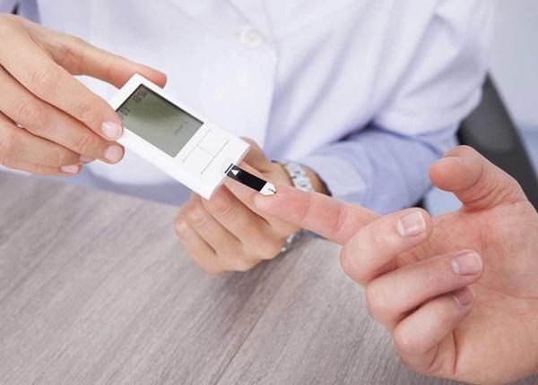 Dược sĩ tư vấn cung cấp thông tin cơ bản về thuốc Glucofine 850mg