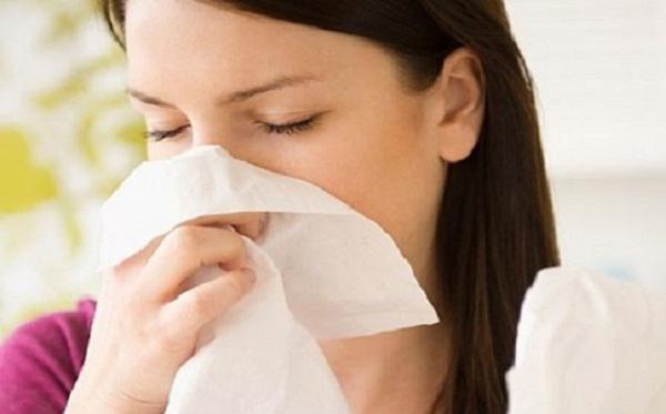 Khi mùa đông tới, người bị viêm xoang cần giữ ấm cơ thể