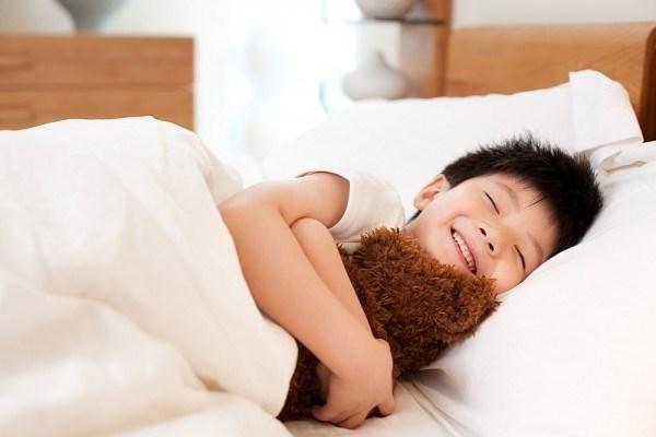 Ngủ đủ giấc giúp trẻ phát triển chiều cao tối đa