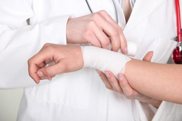 Bệnh nhân bỏng độ 3, độ 4 cần nhanh chóng đến các cơ sở y tế chuyên khoa