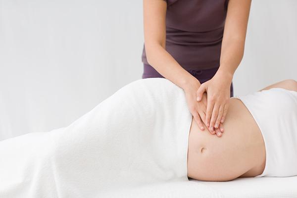 Điểm mặt một số bài massage tốt cho mẹ bầu
