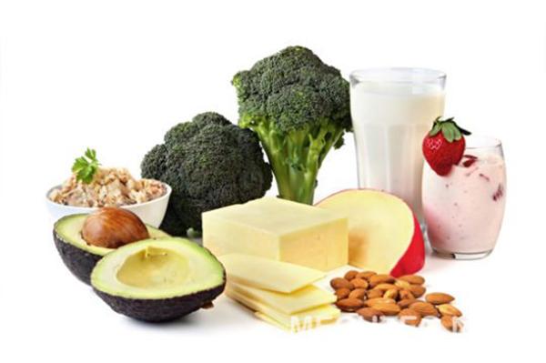 Bổ sung đầy đủ dinh dưỡng giúp bạn phòng bệnh loãng xương hiệu quả