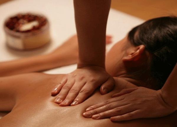 Cách tự massage chữa đau vai gáy hiệu quả
