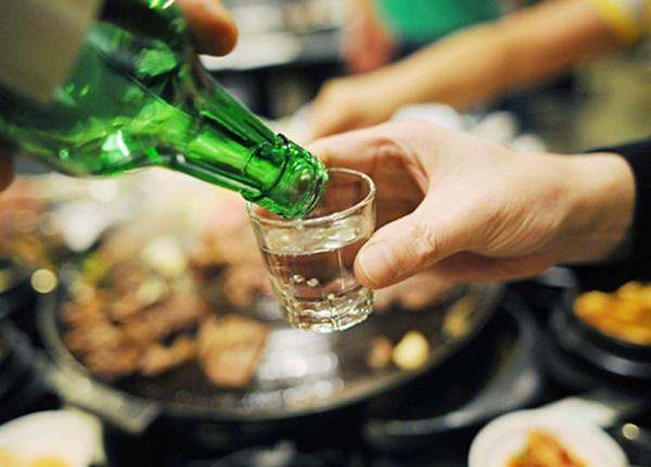 Uống rượu như thế nào để không ảnh hưởng đến sức khỏe của bạn?