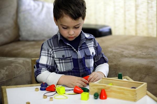Những điều cần biết về bệnh rối loạn phổ tự kỷ ở trẻ nhỏ