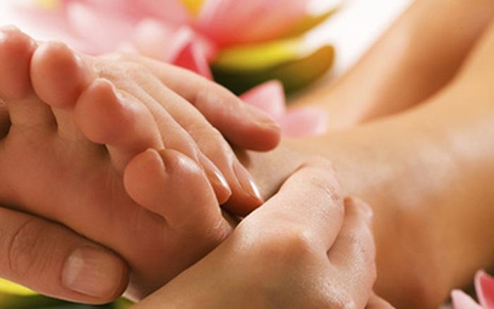 Massage bàn chân mang lại tác dụng tốt đối với sức khỏe