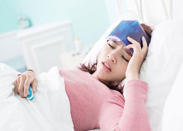 Dấu hiệu bệnh đau đầu từng cụm