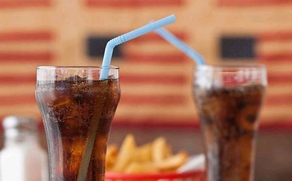 Hệ quả khi uống nước có ga đối với sức khỏe con người