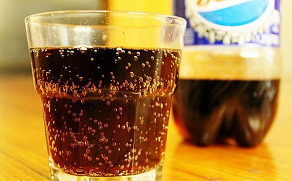 Thức uống có đường quan hệ mật thiết đến bệnh Alzheimer