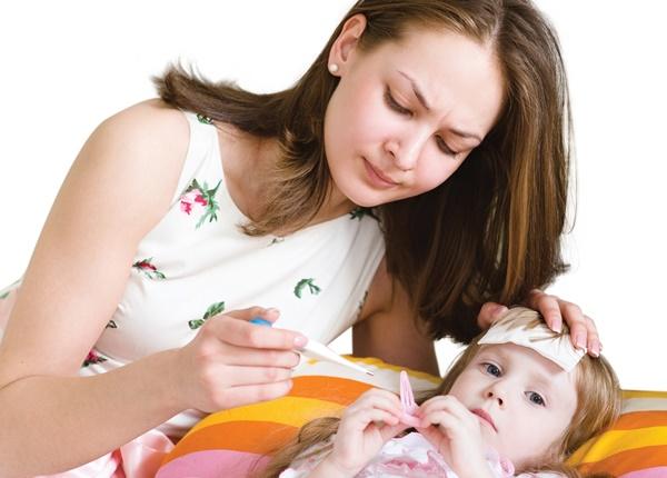 Những biến chứng nguy hiểm có thể xảy ra nếu trẻ bị sốt virus