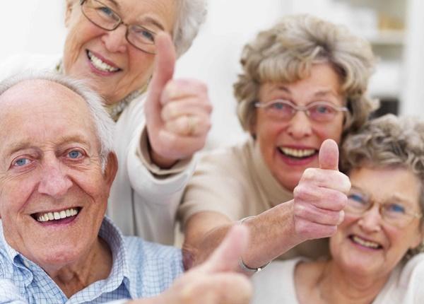 Người cao tuổi nên giữ tinh thần thoải mái, vui vẻ