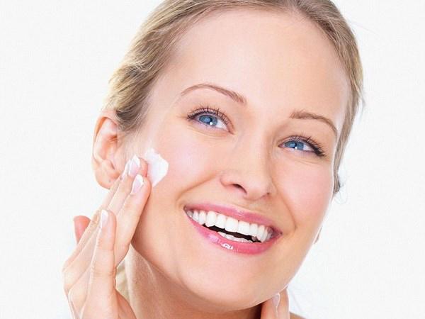 Chất dưỡng ẩm có thể sử dụng đơn độc một mình với mục đích tăng lượng nước cung cấp cho da