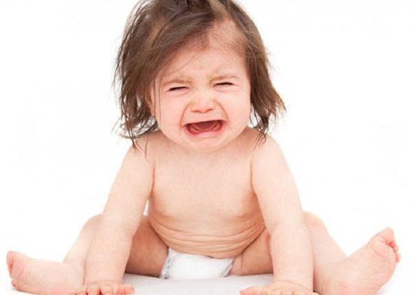 Giúp bé vượt qua cơn đau mọc răng