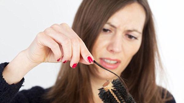 Nguyên nhân và biện pháp khắc phụcchứng rụng tóc sau sinh