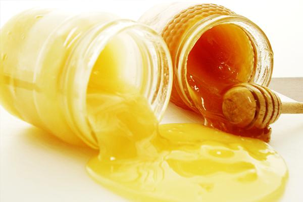 Sữa ong chúa mang lại nhiều lợi ích sức khỏe không tưởng