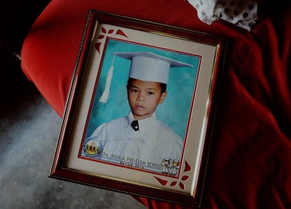 Ảnh chân dung cậu bé Elijah, một trong các nạn nhân xấu số chết sau khi tiêm ngừa vắc xin phòng ngừa sốt xuất huyết. Ảnh: South China Morning Post