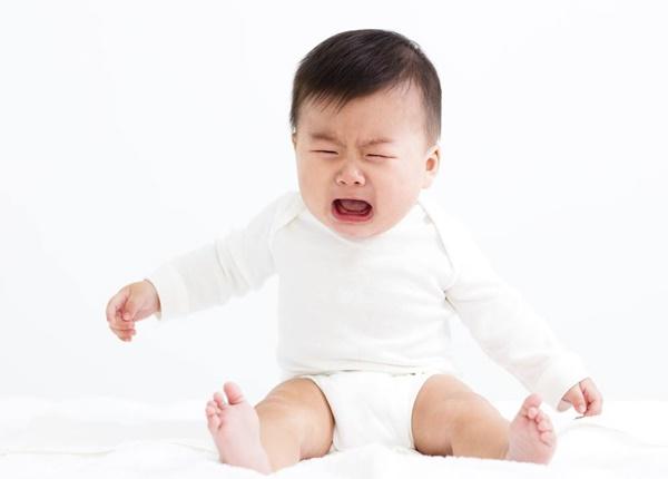 Những tác dụng phụ khi sử dụng thuốc thụt hậu môn cho bé