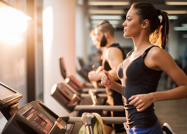 Sinh viên Y nên tập thể dục vào lúc nào để giảm cân, giảm mỡ bụng?