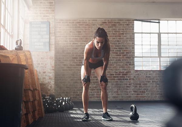 Tập luyện quá sức sẽ dẫn tới tình trạng chai cơ