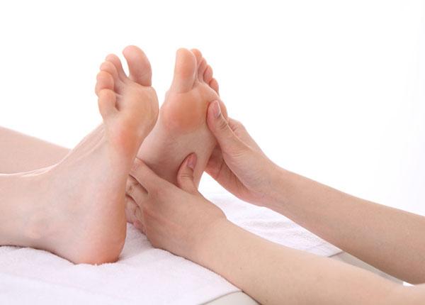Chăm sóc tốt bàn chân người bệnh tiểu đường