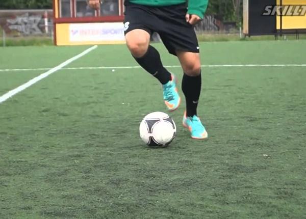 Kỹ thuật di chuyển trong bóng đá