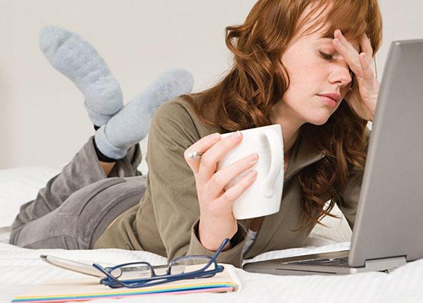 Mất ngủ gây mệt mỏi kém tập trung công việc