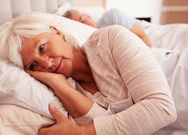 Mất ngủ thường gặp ở người cao tuổi