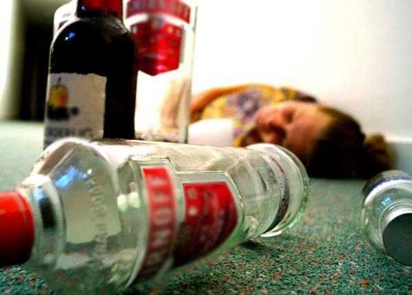 Biến chứng do ngộ độc rượu