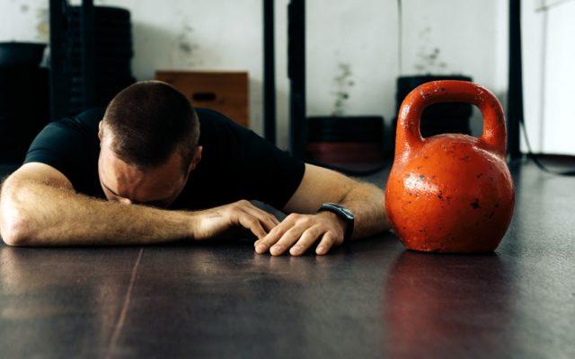 Tập luyện đến kiệt sức khiến cơ bắp của bạn bị mất đi