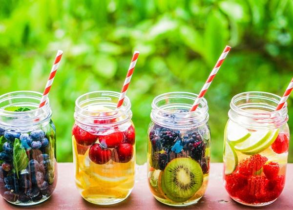 Bạn nên uống gì để thanh lọc và tăng cường sức khỏe?
