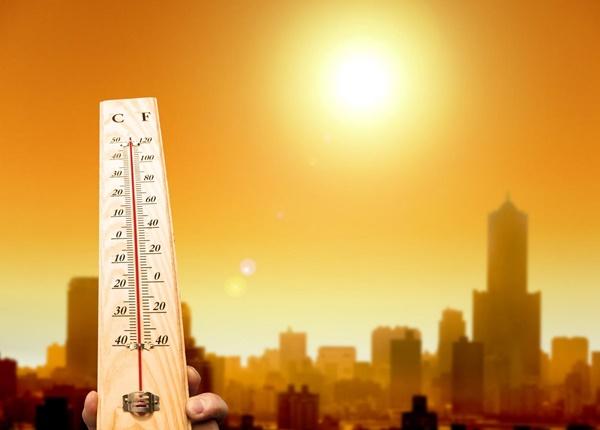 Chế độ dinh dưỡng cho trẻ trong thời tiết nắng nóng