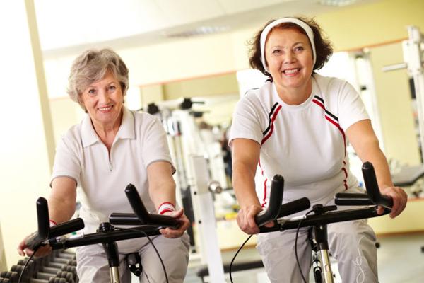 Tập luyện cardio nhẹ nhàng rất phù hợp với người trung tuổi