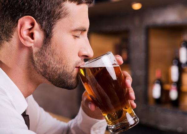 Một số bí quyết uống rượu không say