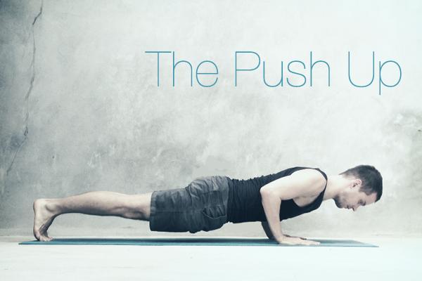 Push up giúp cơ vai và ngực phát triển rất tốt