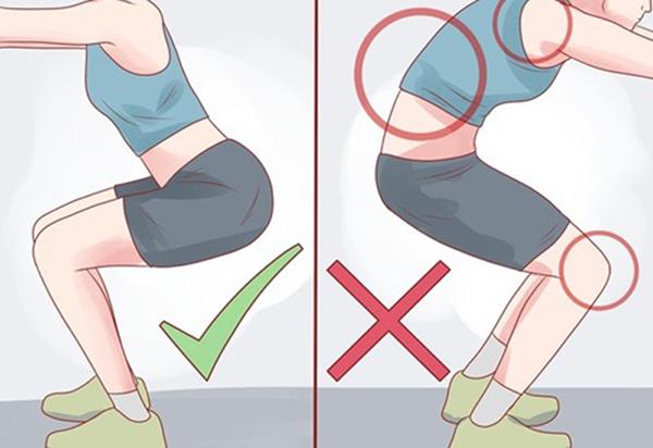 Cong lưng khi squat