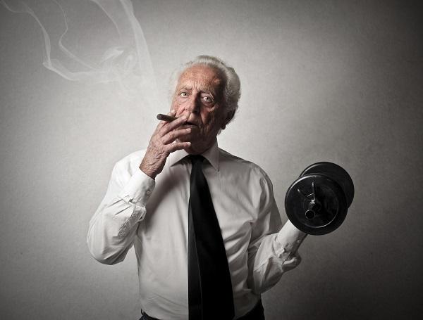 Hút thuốc lá sẽ làm ảnh hưởng tới quá trình tập luyện thể hình