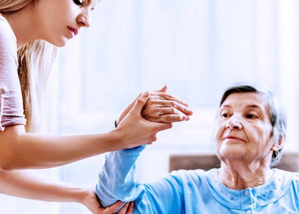 Topxol điều trị triệu chứng co cứng cơ sau đột quỵ ở người lớn.