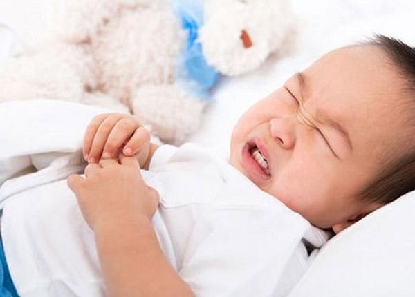 Bột Tanagel được chỉ định điều trị cho chứng tiêu chảy, viêm ruột non kết dạng lị ở trẻ em