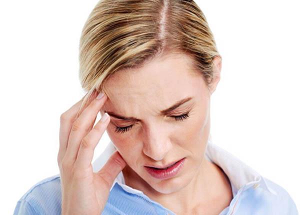 Bạn có thể bị đau đầu, buồn nôn trong quá trình dùng thuốc