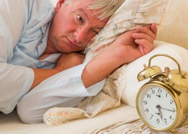 Bạn có thể gặp triệu chứng mất ngủ, choáng váng trong quá trình sử dụng thuốc