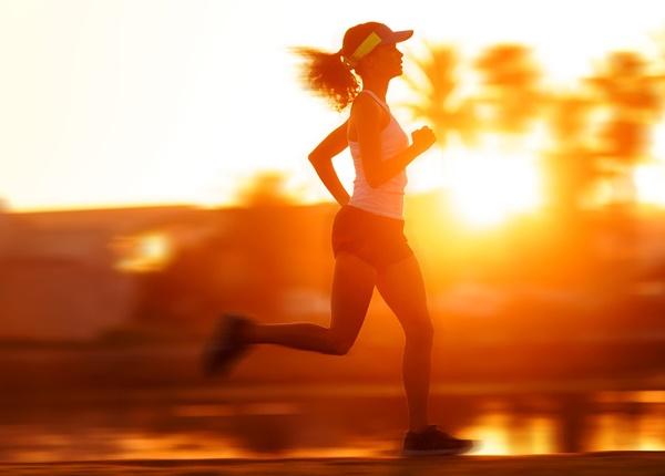 Sinh viên Y lưu ý chạy bộ trong những ngày nắng nóng
