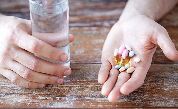 sử dụng thuốc cần thực hiện theo đúng nguyên tắc, để hạn chế sai xót và ngộ độc cho bệnh nhân.