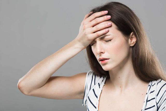 """Thuốc hay trị đau đầu khi đến ngày """"đèn đỏ"""""""